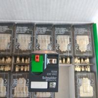 施耐德中间继电器 RXM4LB1P7 SCHNEIDER