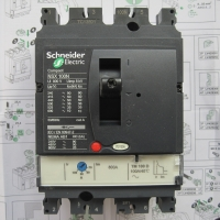 施耐德断路器 LV430621 Compact NSX160F - TMD - 125 A - 3 极 2d
