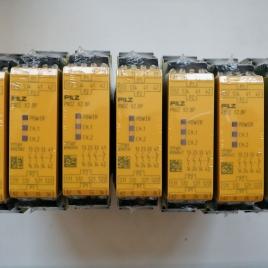 皮尔兹安全继电器 PNOZ X2.8P 24-240VAC/DC 3n/o 1n/c 777302